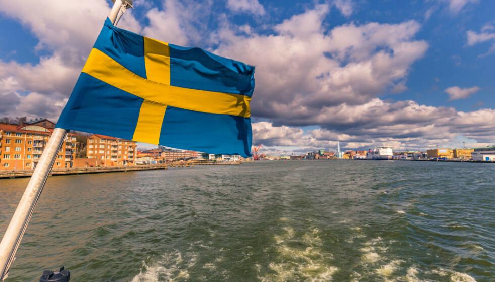 BLIR RØDE: Regjeringen fraråder reiser som strengt ikke er nødvendig til to svenske regioner. Foto: Shutterstock/NTB