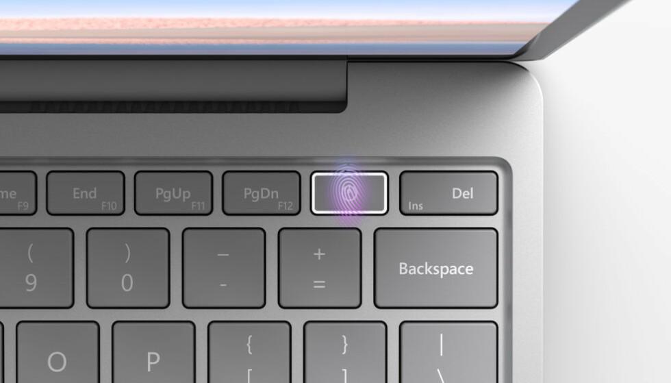 WINDOWS HELLO: Ikke ansiktspålogging, men Surface-nyheten har fingersensor integrert i strømknappen. Foto: Microsoft