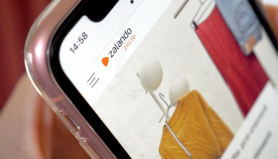 BRUKTSALG: Populære Zalando har lansert tjeneste for bruktsalg i flere europeiske land - og ser også på Norden som et aktuelt marked for denne tjenesten etterhvert. Den nye tjenesten har en egen app og et eget navn: Zalando Zircle. Du kan både selge klærne dine og kjøpe bruktklær der. Foto: Kristin Sørdal