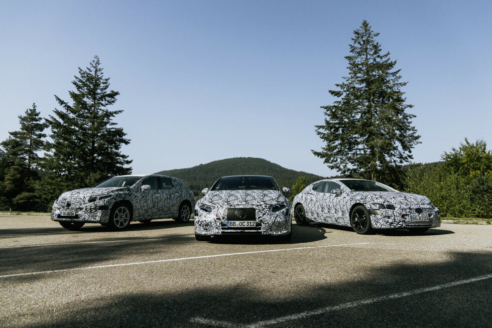 KOMMER SNART: Mercedes-Benz EQS SUV (2022), Mercedes-Benz EQS (2021) og Mercedes-Benz EQE (2021) er med unntak av flerbruksbilen EQV de største elektriske Mercedes-ene til dags dato. Foto: Daimler