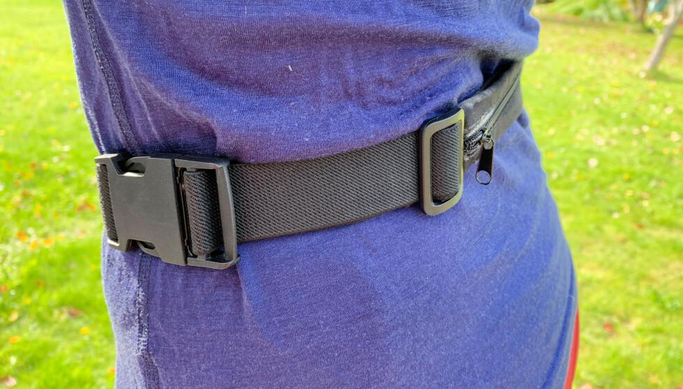 Lomme på baksiden er praktisk, men beltet kan ikke justeres godt nok for alle. Foto: Sondre Chávez-Njarga