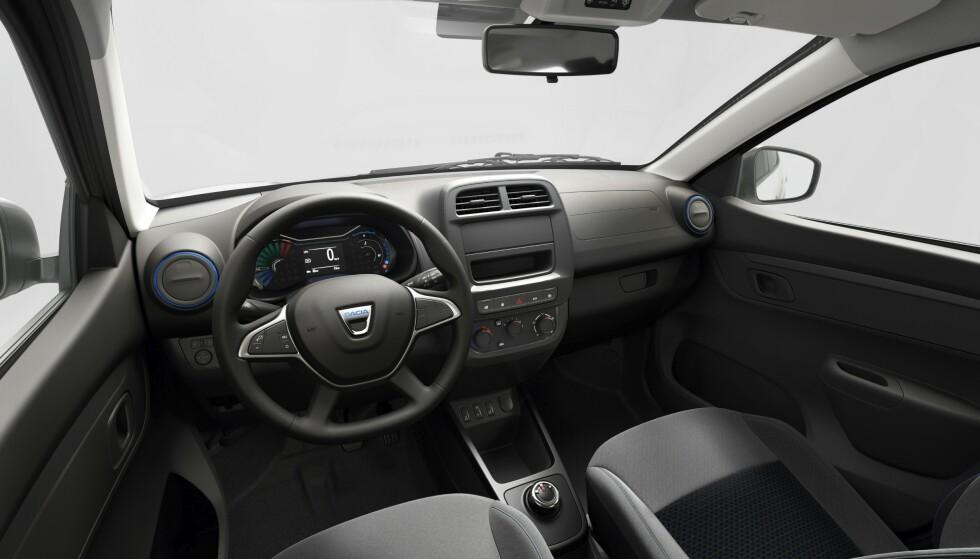 ENKELT: De norske kundene kommer til å bestille 7-tommer med ryggekamera og oppkobling til Apple Crplay, Android Auto osv. Foto: Dacia