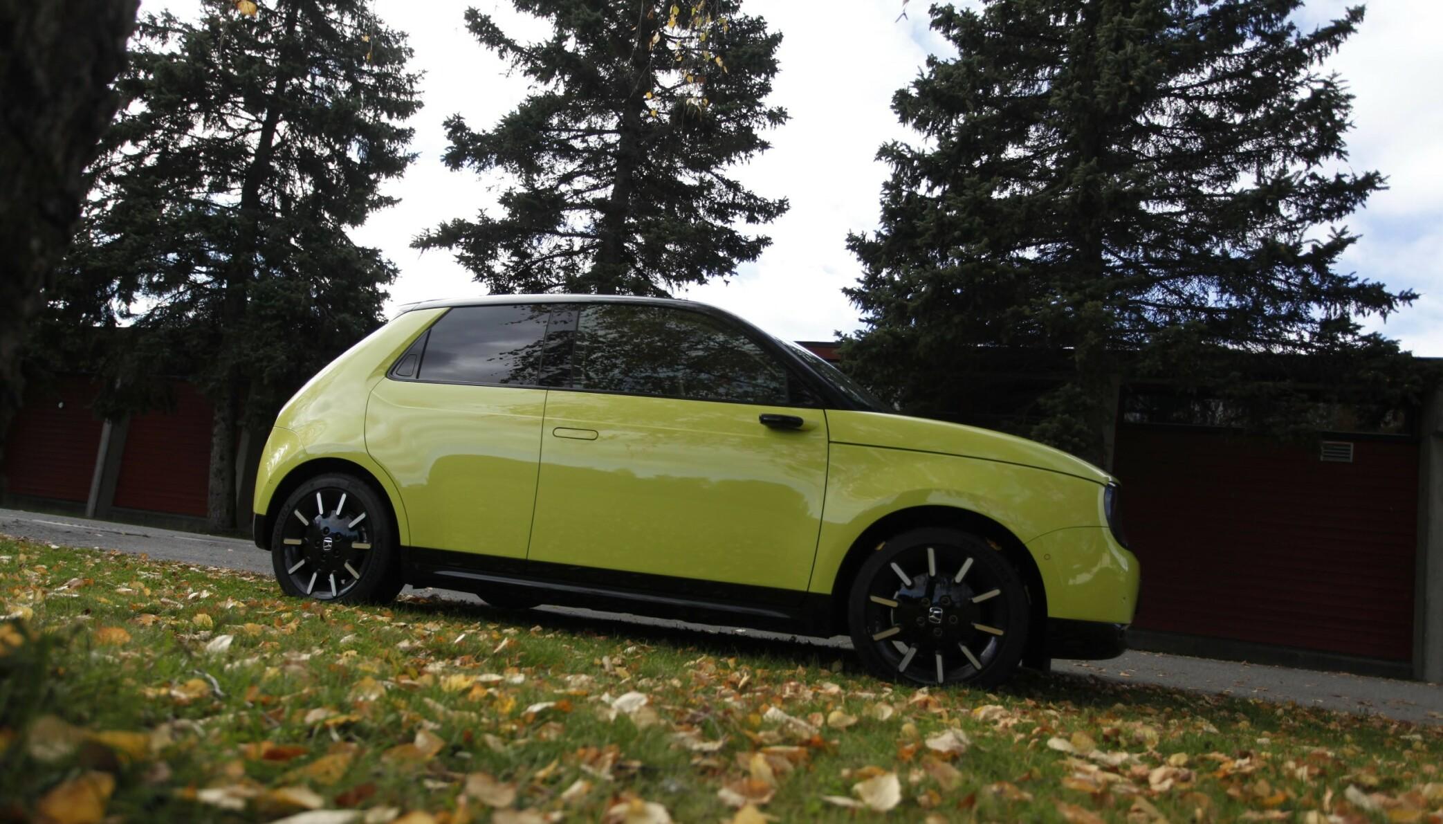 ANNERLEDES: Honda e skiller seg ut i mengden. Foto: Øystein B. Fossum