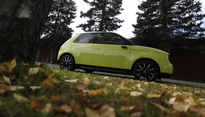 MORSOM BIL: Honda e utmerker seg overalt - spesielt i den gul-grønne standardfargen. Foto: Øystein B. Fossum