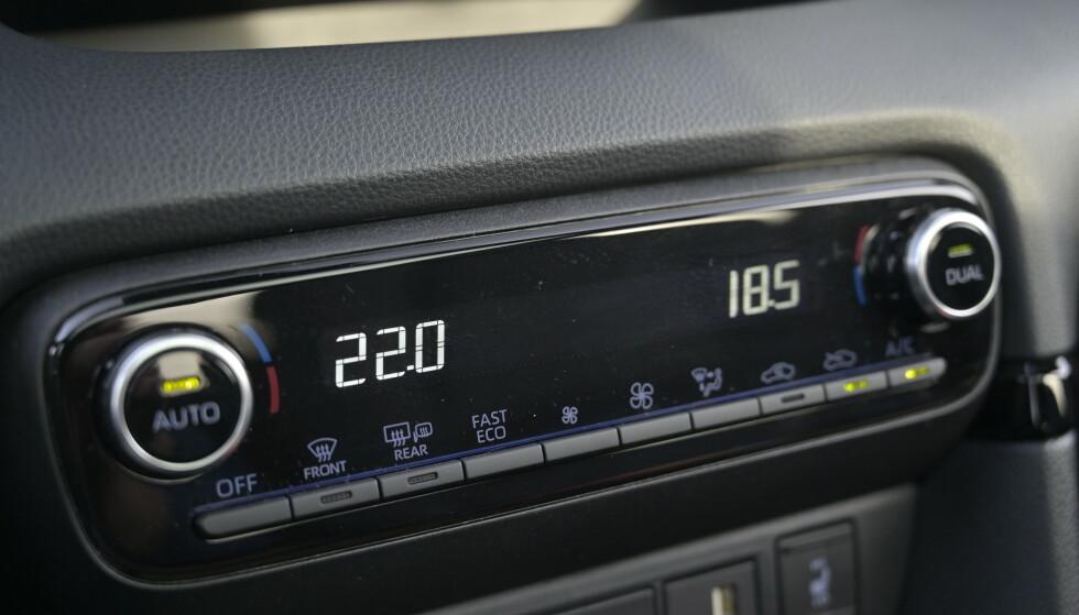TO SONER: Klima justeres også med knapper. Foto: Rune M. Nesheim