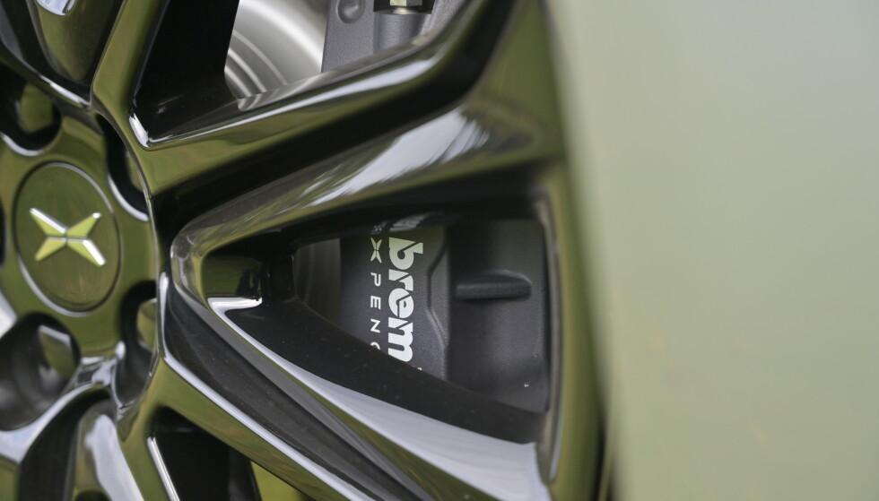 KJENTE MERKEVARER: Xpeng hevder de bruker velrenomerte leverandører til bilene sine. Det lover bra. Foto: Rune M. Nesheim