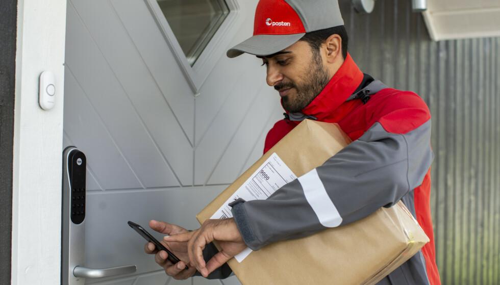 ENKLERE OG BEDRE: Posten ruller ut en ny tjeneste for levering av pakker, som skal være enklere og bedre for kundene. Foto: Petter Sørnæs/Posten