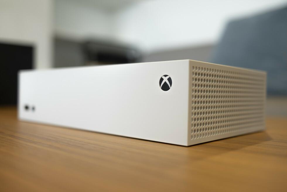 Xbox Series S plassert horisontalt.