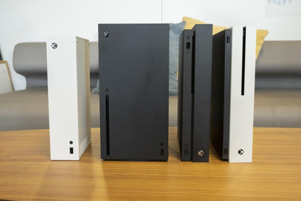 Fra venstre. Xbox Series S, Series X, One X og One S.