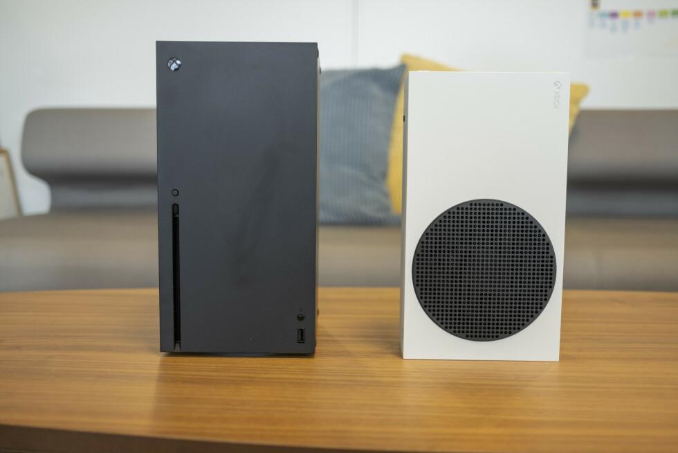 Xbox Series X og Xbox Series S.