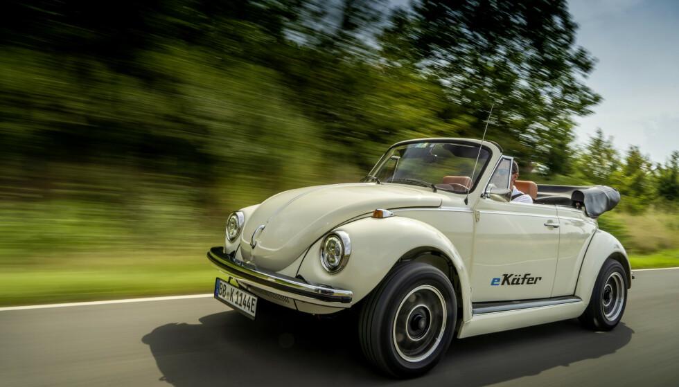 E-BEETLE: VW Boble var en vanlig bil i Norge, og med elektrisk drivlinje tar den steget inn i moderne tid. Men det koster: Du må stille med bilen og ombyggingen koster 775.000 kroner. Foto: VW