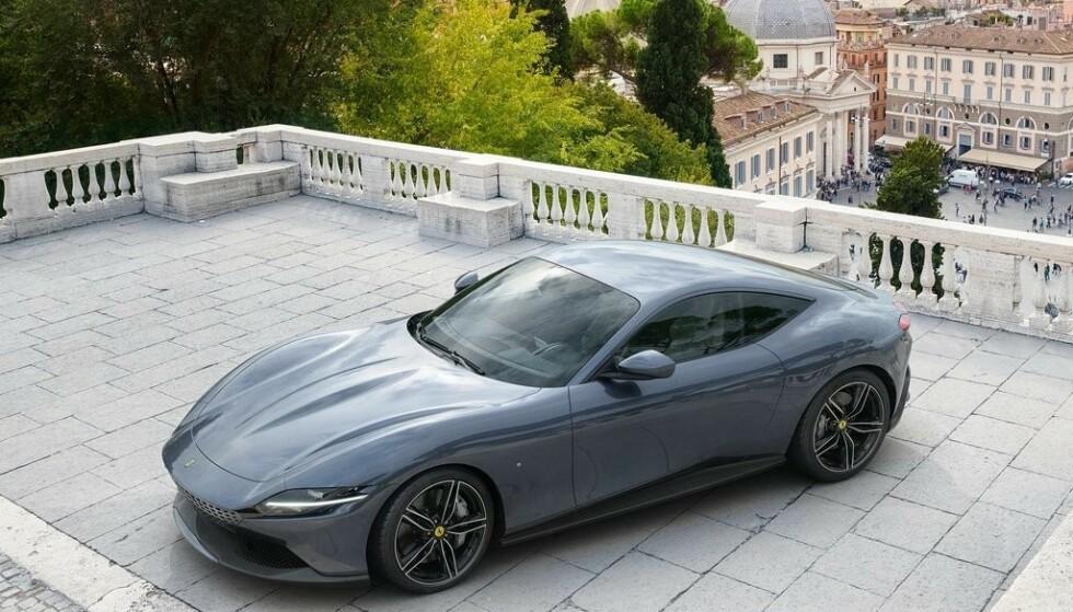 ÅRETS DESIGN: Italienske Ferrari Roma er kåret til Verdens vakreste bil. Foto: Ferrari