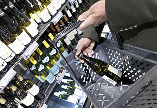 Nei, alkoholavgiften kuttes ikke med ti prosent