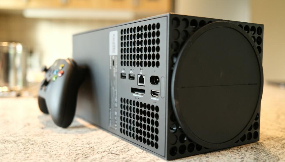 Xbox Series X har en enkel, men gjennomtenkt design. Foto: Martin Kynningsrud Størbu