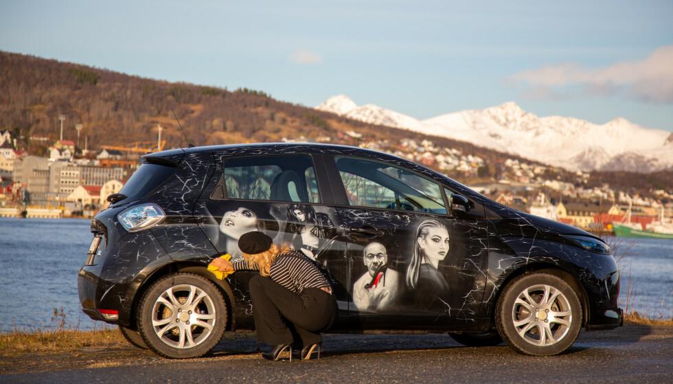 Aiste Nauburaite har bil som pasjon og airbrush som hobby. Foto: Privat