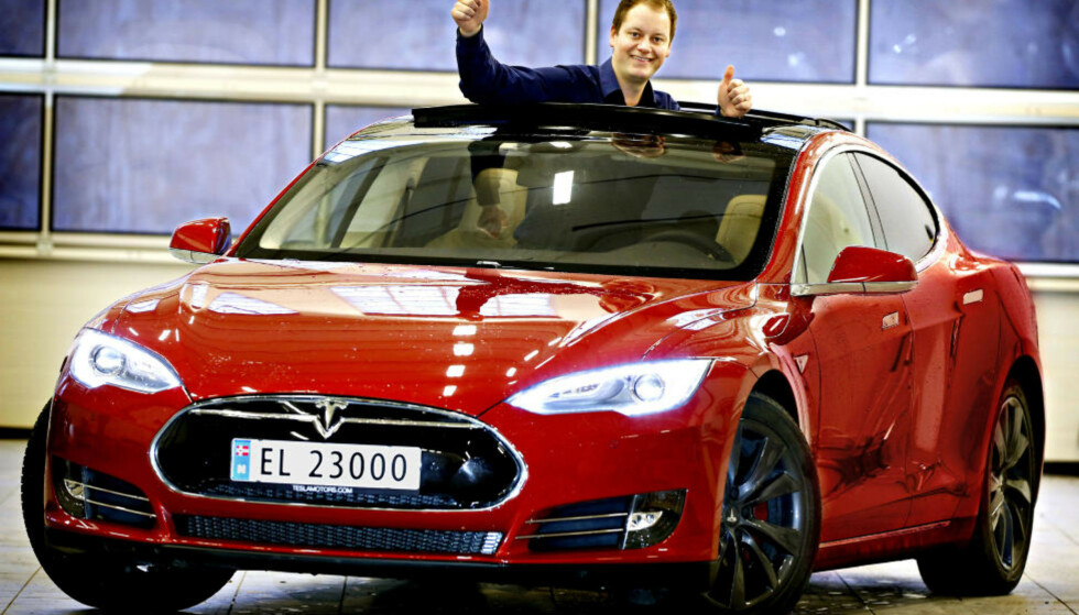 TESLA MODEL S: Folkets favoritt for 2014. Foto: Øistein Norum Monsen