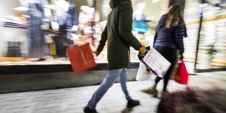 Nordmenn oppfordres til å gjøre unna julehandelen tidlig