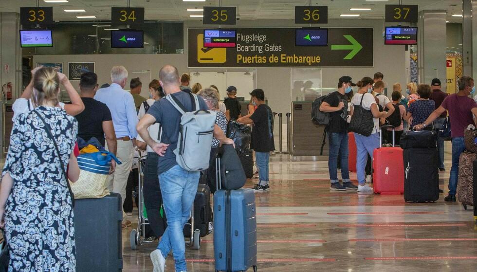 RESTRIKSJONER: Utlendinger som ankommer Spania fra 23. november må fremvise en negativ coronatest. Foto: Desiree Martin/AFP/NTB