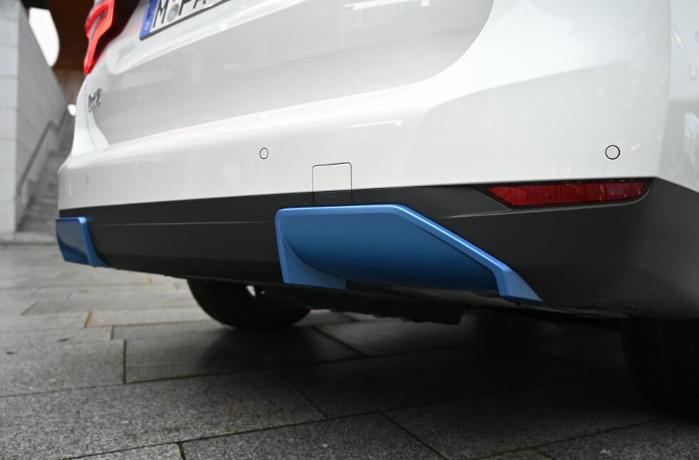 INGEN BLÅRØYK: Derimot er pottene erstattet av blå diffuserlignende elementer. Foto: Rune M. Nesheim