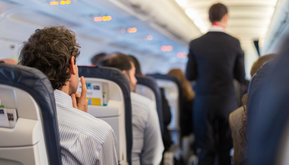 CORONASMITTE: FHI mener smitterisikoen er lav, men tilstedeværende, om bord på fly. Foto: NTB Shutterstock