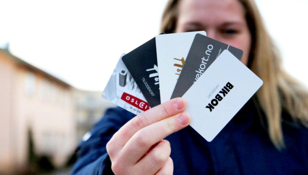 GI PENGER: Bare butikkene er tjent med gavekort, mener vår kommentator. Foto: Ann Kristin Andreassen