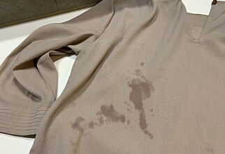 Rødvin på blusen? Dropp håndvask