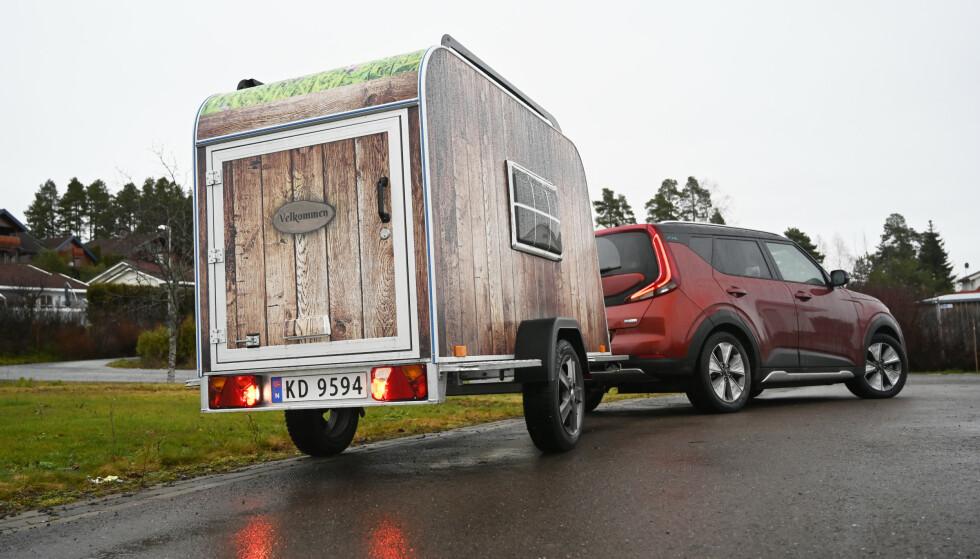 MICRO-CAMPER: For 39.000 kroner er du klar for elektrisk campingferie. Foto: Rune M. Nesheim