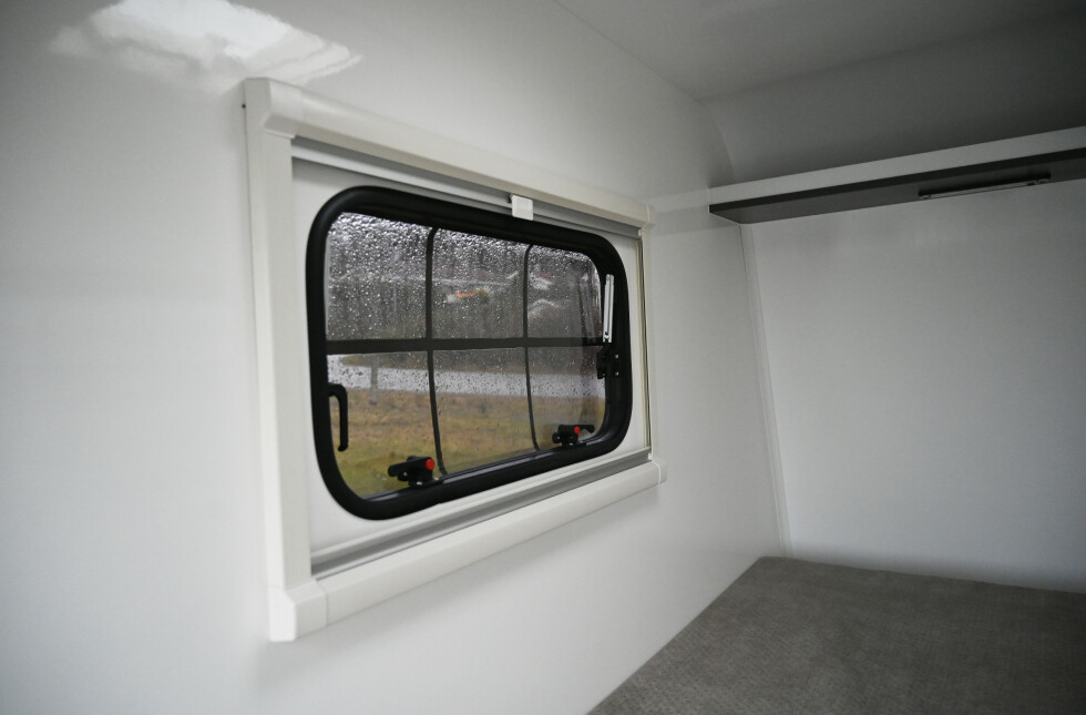 KAN ÅPNES: Alle vinduer kan åpnes. Foto: Rune M. Nesheim