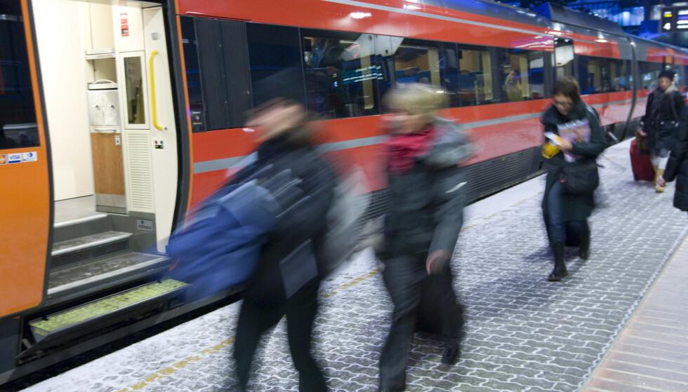 SNART UTSOLGT: Det nærmer seg jul, og samtidig nærmer det seg utsolgt på flere populære togstrekninger. Foto: Terje Bendiksby / NTB