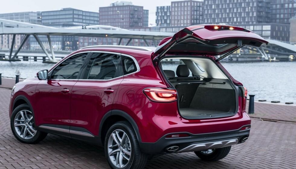 STØRRE: MG EHS kommer med garanti på 7 år eller 150.000 km. Tvilsom kvalitet skal altså elimineres som argument for å holde seg unna Kina-bilen i framtiden. Foto: MG Motors