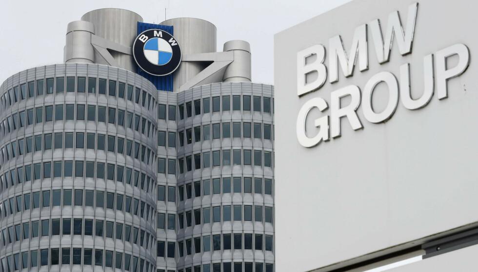 SATSER PÅ ELBIL: Tyske BMW Group, med BMW, Mini og Rolls-Royce, skal ikke lenger produsere fossildrevne motorer i hjemlandet. Nå er det elmotorer det skal gå i. Foto: NTB / AP Photo