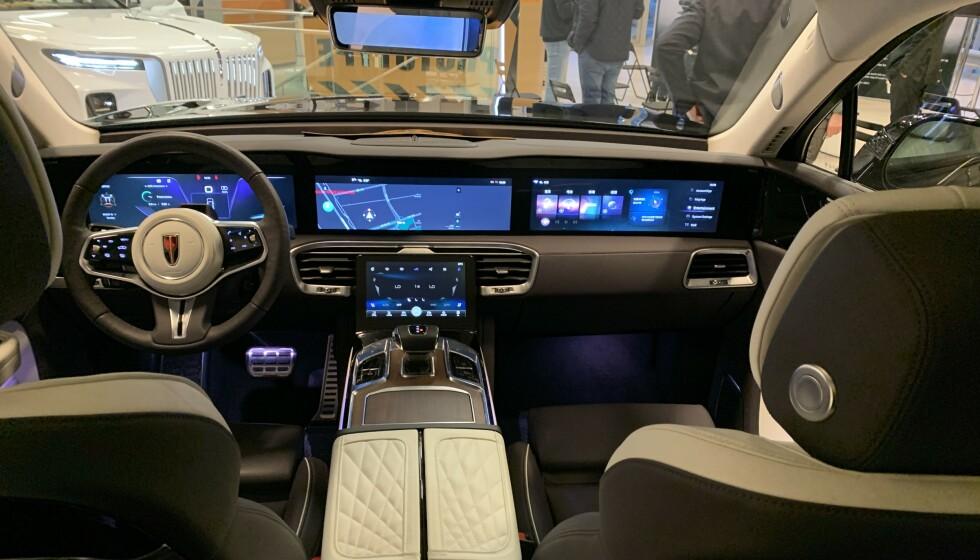 HONGQI E-HS9: Denne kinesiske premium-bilen skal bli klar for norske kunder allerede i løpet av 2021. Her er det mye luksus. Foto: Øystein B. Fossum