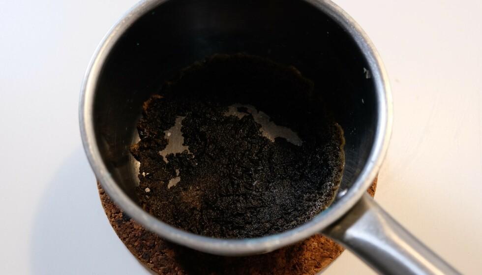 SAUS: En oppvasktablett kan faktisk være løsningen på dette problemet. Foto: Embla Hjort-Larsen