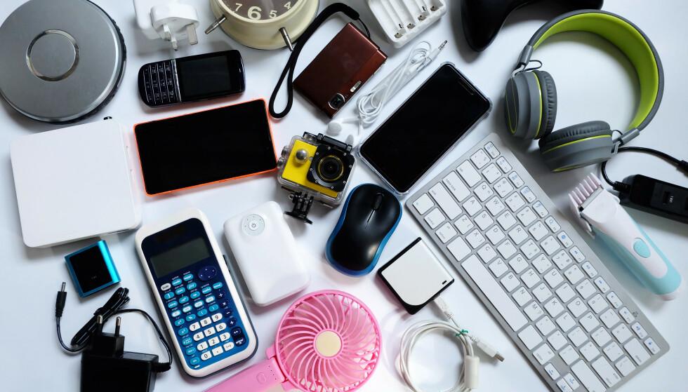 ULOVLIGE PRODUKTER: Svært mange elektriske og elektroniske produkter som selges på nett fra utenfor EØS, er ulovlige. Illustrasjonsfoto: NTB/Shutterstock