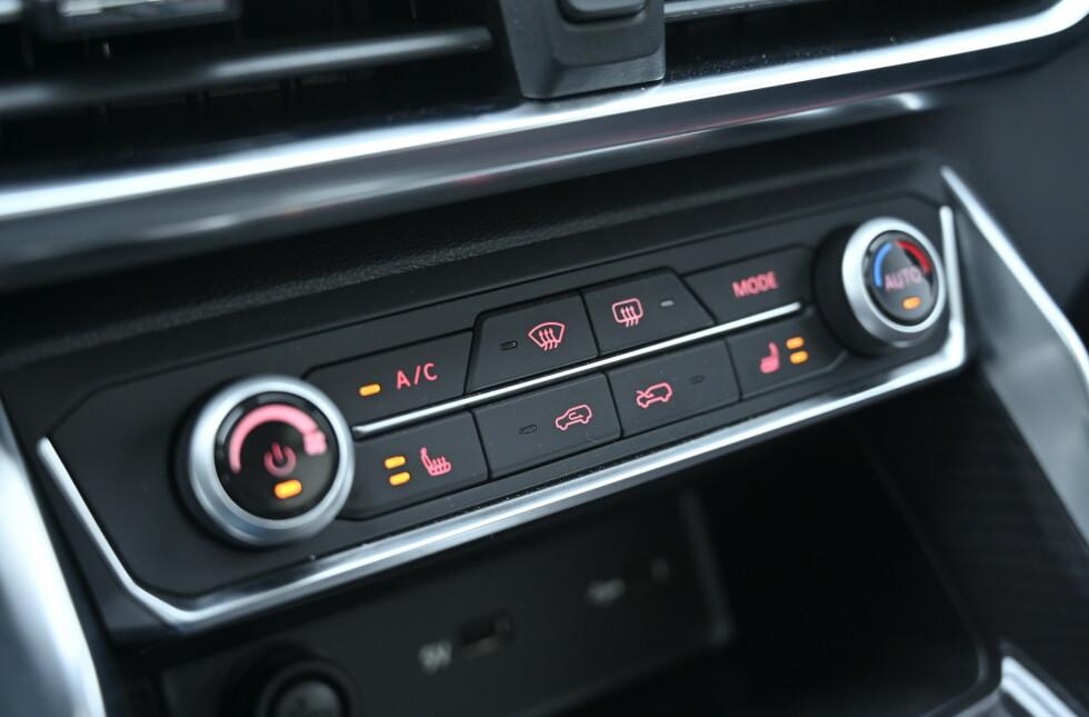 ÉN SONE: Den store bilen har bare en sone, men den klarer å varme opp den store kupeen. Foto: Rune M. Nesheim