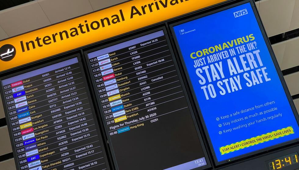 HEATHROW: Reiser du til England, må du fremlegge en negativ coronatest ved ankomst. Foto: REUTERS/Toby Melville/NTB