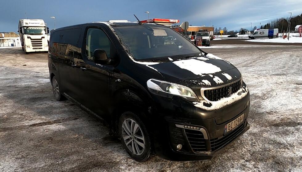 TESTBILEN: Peugeot, Citroën, Opel og Toyota leverer denne bilen som elektrisk versjon, til glede for håntverkere og storfamilier. Foto: Rune M. Nesheim