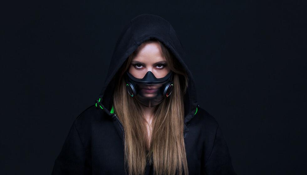 PROEJCT HAZEL: Razer er kjent for sine elleville konsepter. Ansiktsmaska med RGB-lys og innebygget forsterker er intet unntak. Foto: Razer