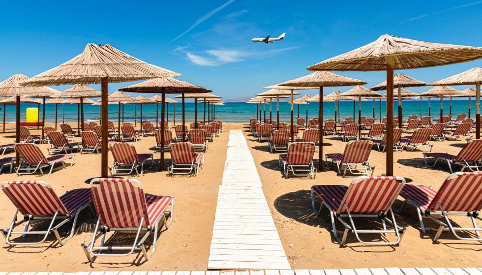 KRETA ER SOMMERFAVORITT: Kreta topper foreløpig reisestatistikken fra charterselskapene: Det er hit de har solgt flest sommerreiser hittil. Bildet er fra Arina sand, Heraklion, Kreta. Foto: NTB scanpix