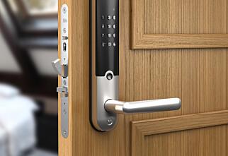 Kan låse opp døra automatisk
