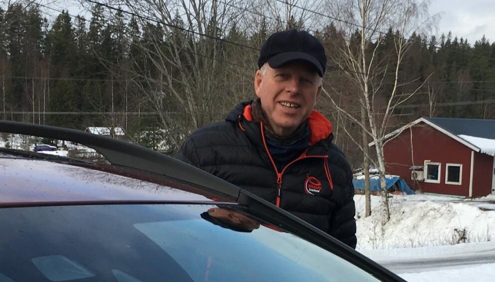POPULÆR: Inge Martinsen ble oppsøkt av folk som ville kjøpe dieselbilen hans. Foto: Bente Martinsen.
