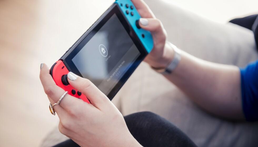 KAN BLI OPPGRADERT: En ny utgave av den populære håndholdte spillkonsollen til Nintendo kan være på vei. Foto: James Sheppard/Future/REX/NTB