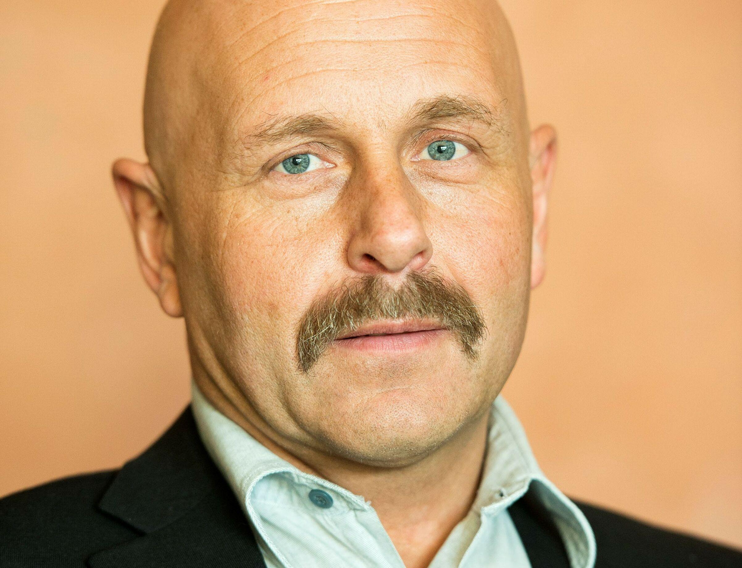 – KUTT AVGIFTENE: Styreleder Tor Alm i NBF mener myndighetene må endre premissene for gjenbruk av bildeler.