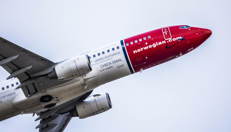 STOPP FOR CASHPOINTS: Nå får du ikke bruke cashpoints til å betale for flybilletter og annet flyrelatert hos Norwegian. Forbrukerrådet sier dette viser at man alltid bør velge penger fremfor poeng, i en refusjonssituasjon. Foto: Ole Berg-Rusten / NTB