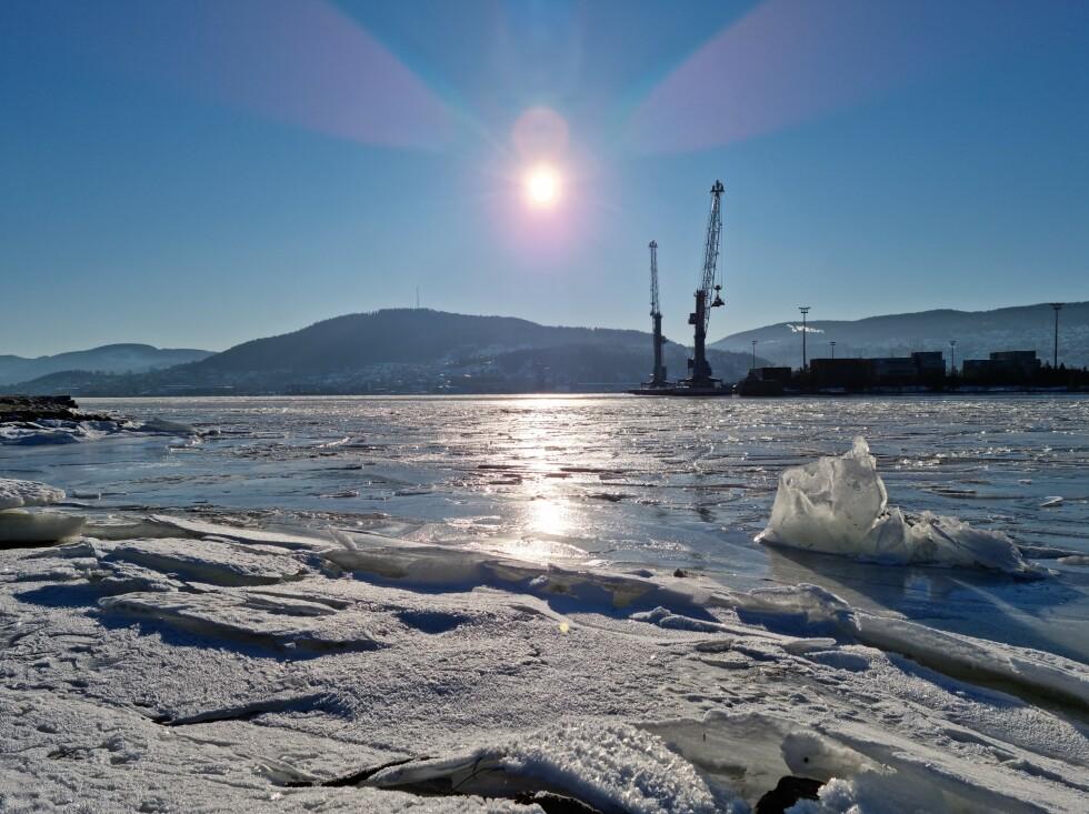 Mini-isberg i Drammensfjorden. Foto: Martin Kynningsrud Størbu