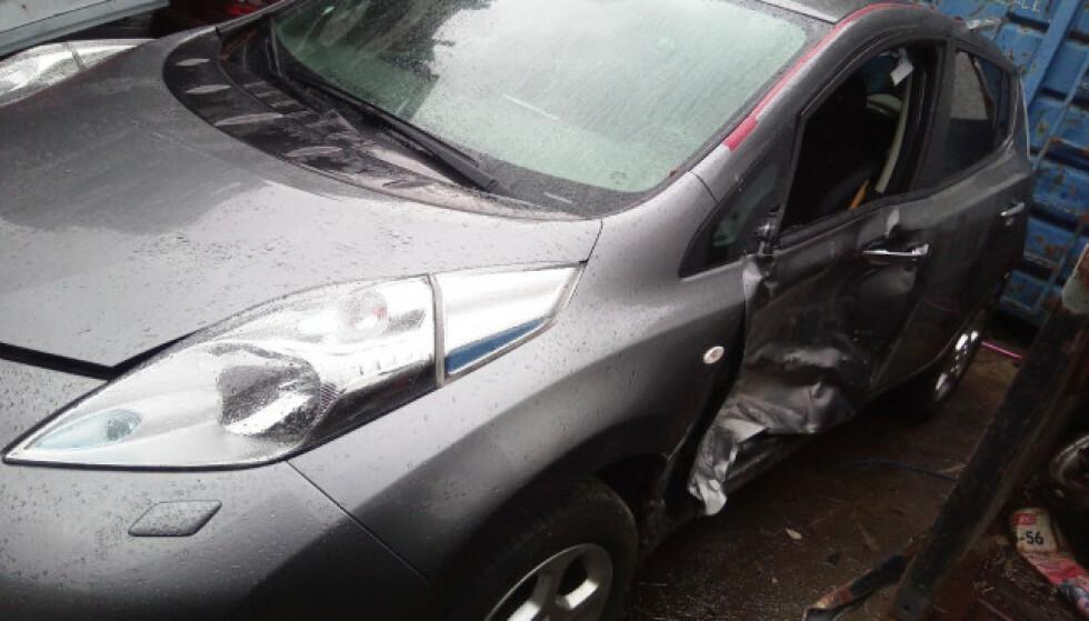 KUNNE VÆRT REDDET: Denne Nissan Leaf-en hadde også kunne blitt reparert, med andre moms-regler. Foto: Post Bil Demontering Innlandet