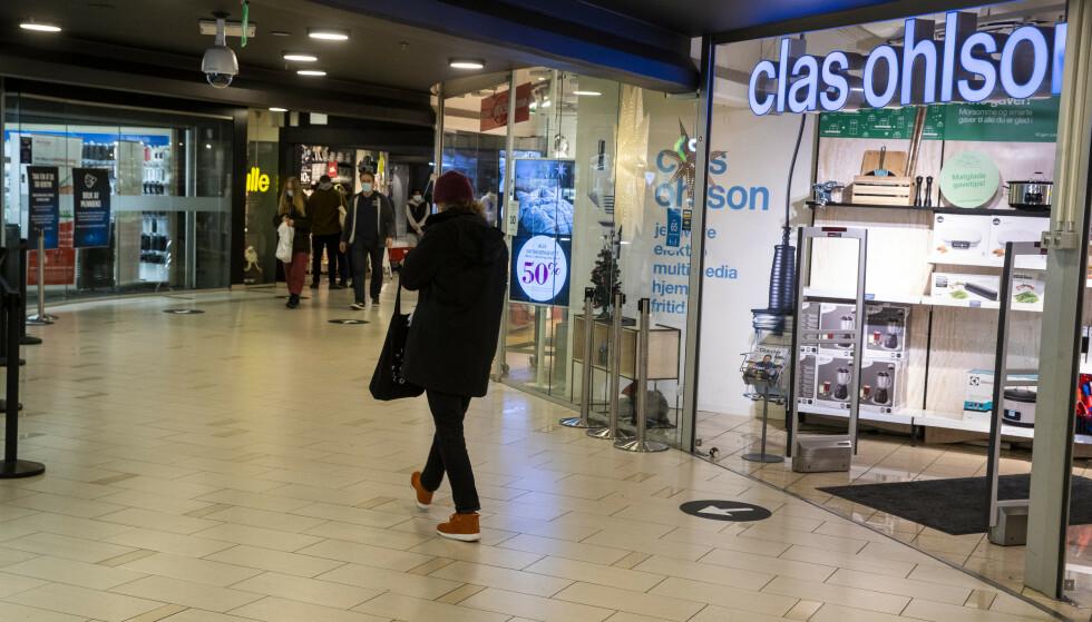 VILLEDENDE MARKEDSFØRING: 14 kjeder og nettbutikker får brev om mulig villedende markedsføring fra Forbrukertilsynet. Foto: Terje Pedersen / NTB