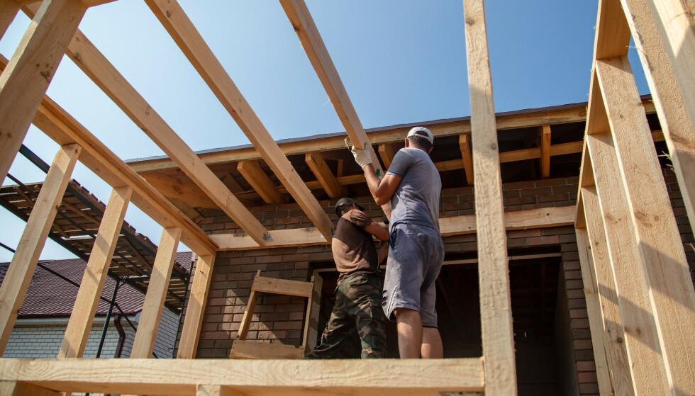 FRITT FREM: Holder du tilbygget under 15 kvadratmeter, kan du fra 1. mai bygge uten å søke – også dersom det du bygger er ment for varig opphold. Foto: Shutterstock / NTB Scanpix