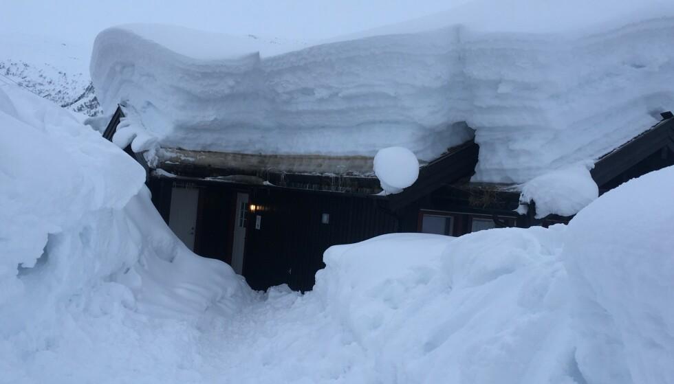 KREVER TILSYN: Kjøper du hytte, har du enda en bolig som krever sitt, for eksempel hvis det er en snøfull, kald vinter. Foto: Gjensidige