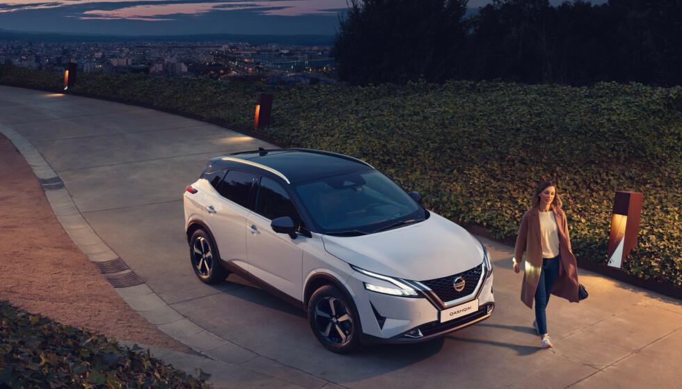 LITT STØRRE LITT STILIGERE: Nye Nissan Qashqai bygges på en helt ny plattform, noe som gjør den lettere og litt større. Den mest spennende nyheten finner vi imidlertid under panseret. Foto: Nissan